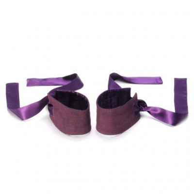 Lelo Etherea Silk Cuffs
